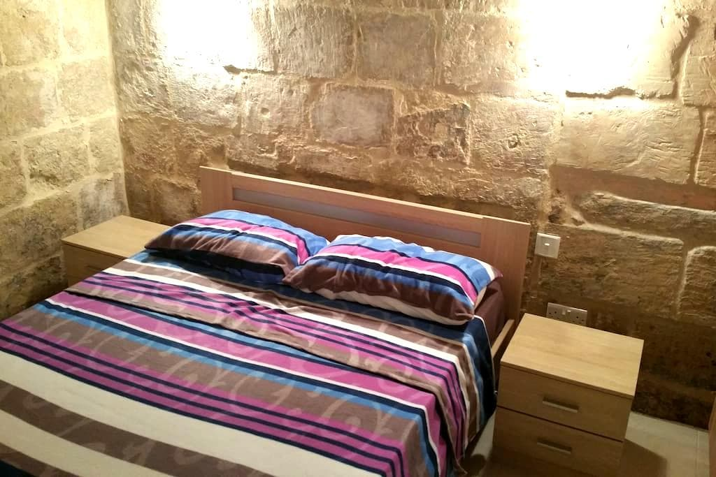 Renovated 16th Century House in Valletta - Βαλέτα