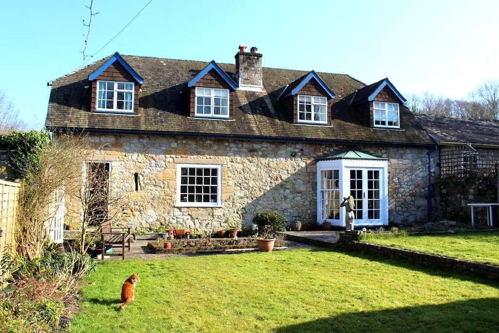 B&B Double or Twin room in a converted stone barn - Freshwater