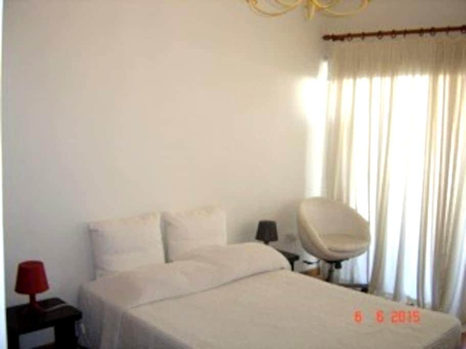 Cosy flat in centre 4 minutes from Larnaca Beach! - Larnaca - 公寓