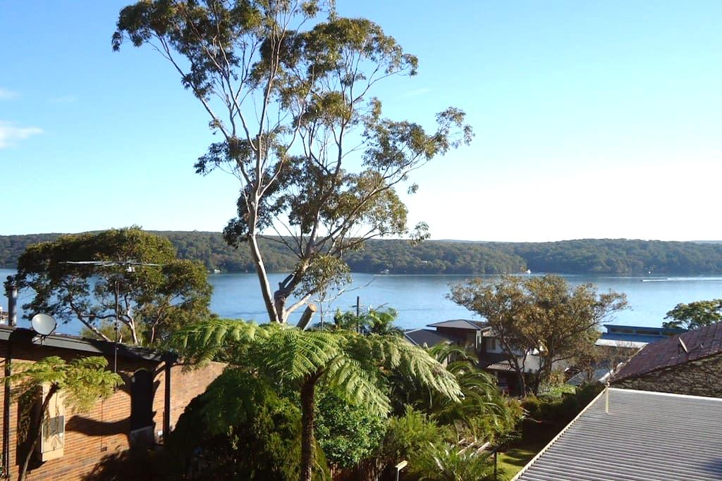 Retreat with water views - Lilli Pilli