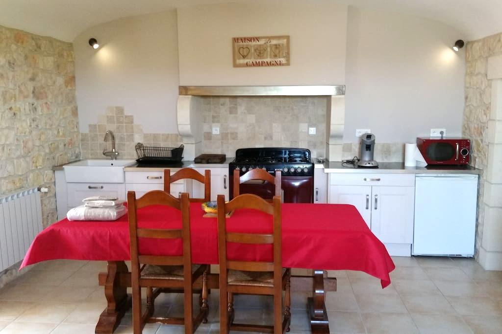 Ferme rénovée au coeur des vignes - Bourg-Saint-Andéol - Apartment