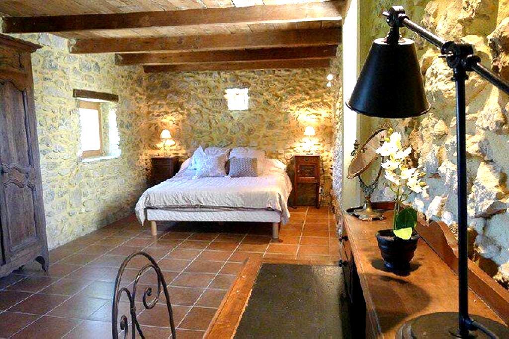 Winemaker Suite - Bourg-Saint-Andéol