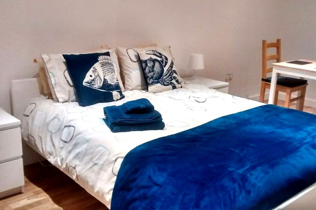 Lovely spacious, airy, room in coastal property - Christchurch - Huis