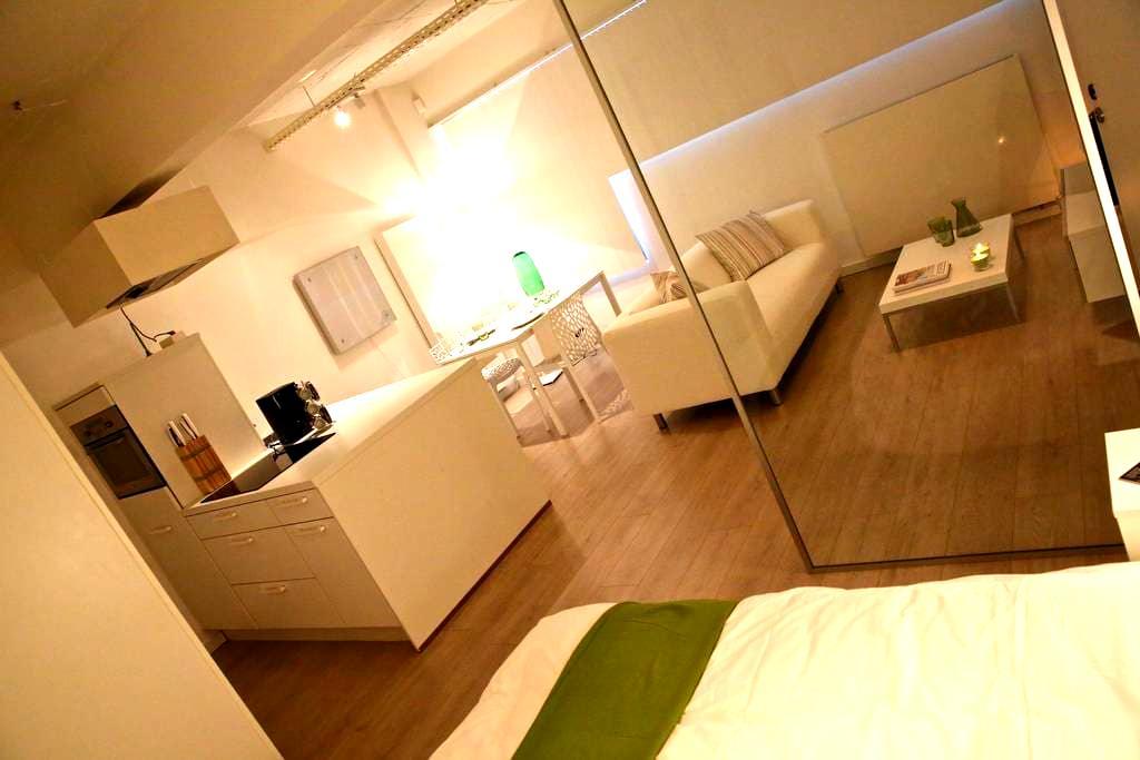 Stylish Loft Flat SecureCondominium - Saint-Gilles - Apartamento