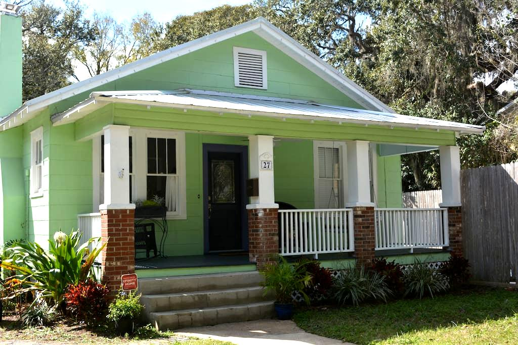 Key Lime Cottage-with pool! - Saint Augustine - Huis