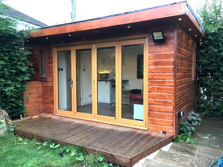 Self contained cabin in Edinburgh's West End - Edinburgh - Cottage