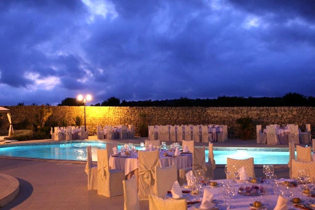 Baglio Calanchi | Villa | luxurious country rooms - Campanella-gianforma