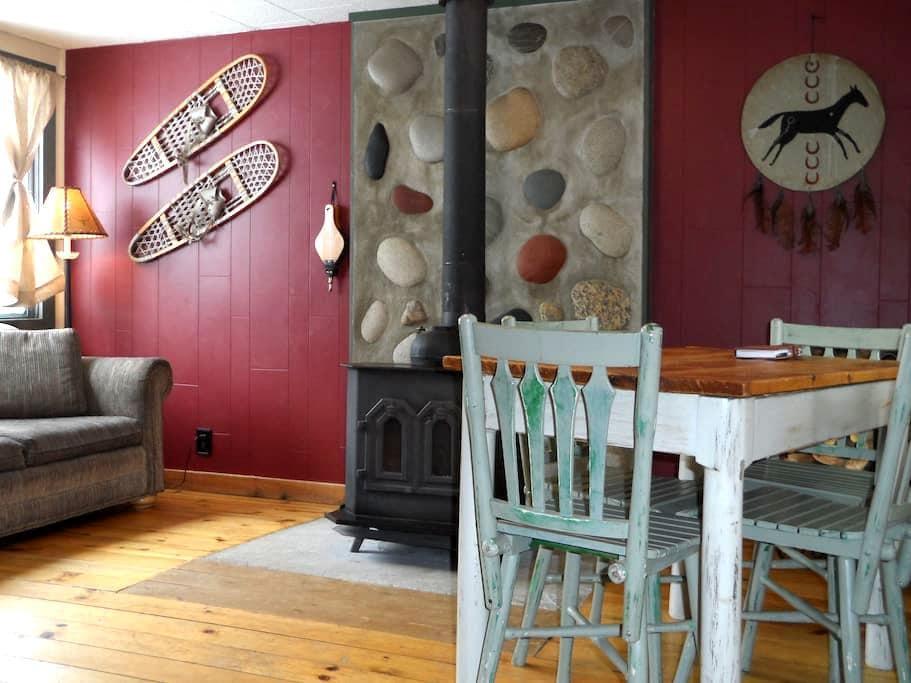 Authentic 1-Bedroom Cabin Retreat in Clark - Clark - Cabin