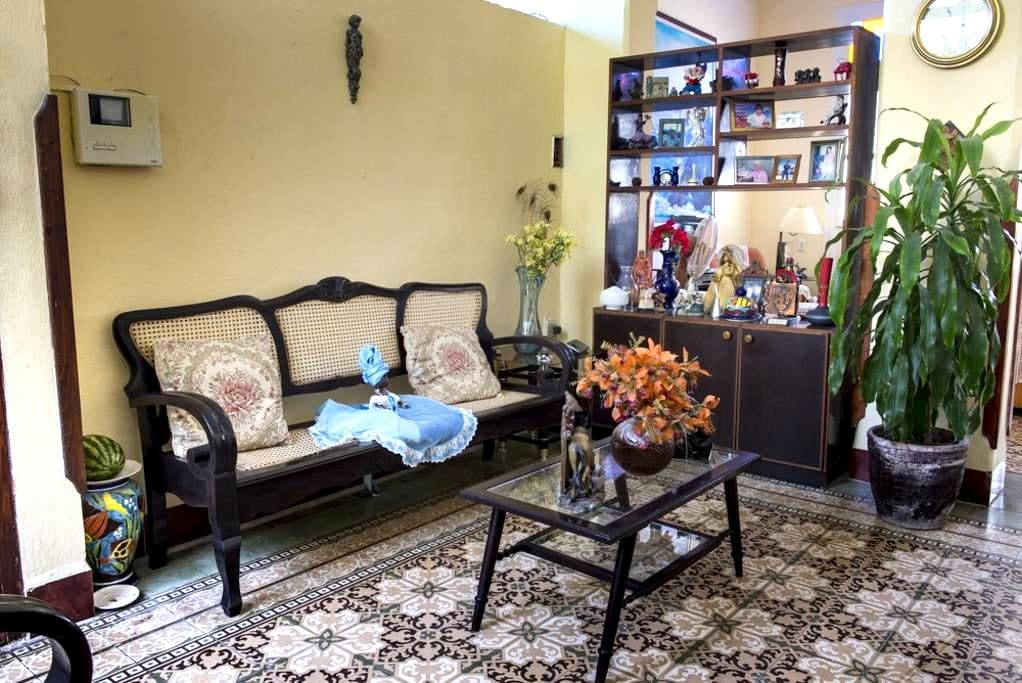 Habitacion 3 de la Casa de la Calle Luz - La Habana - Dom