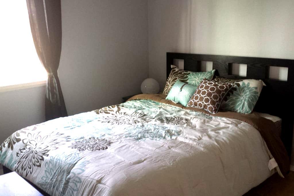 Private Studio w/Bed, Bath, Kitchen - Fountain Valley - Ház