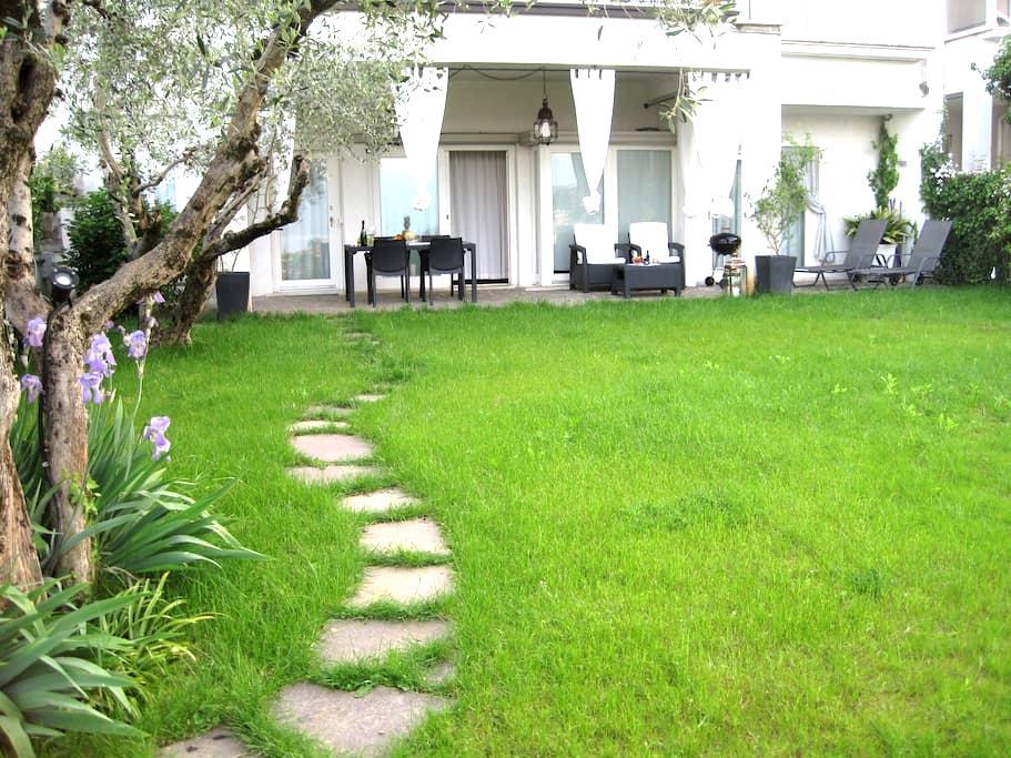 Stunning & Lovely Villa Manuela - Salo Lake Garda - Salò - Byt