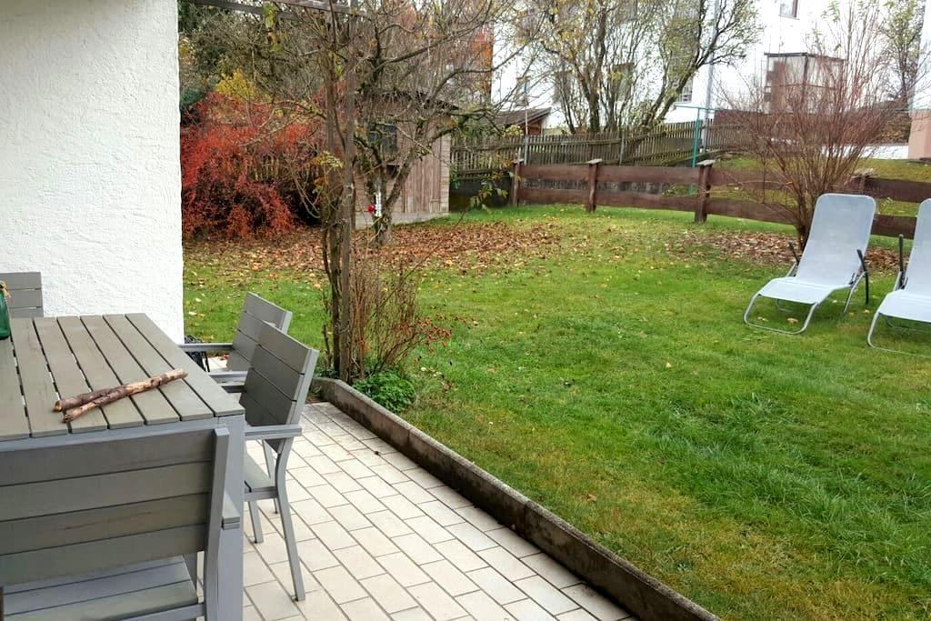 1 Zimmer in Wohnung mit Garten - Irschenberg - Leilighet