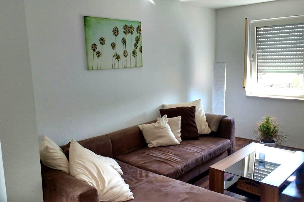 Helle Wohnung am Fuße der Schwäbischen Alb - Bisingen - Apartamento