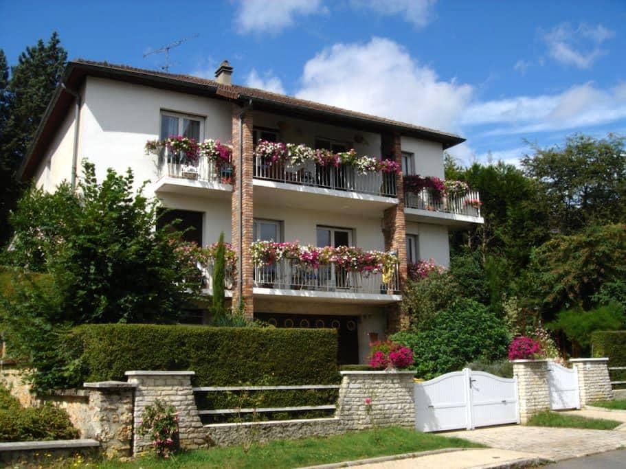 Logement au calme proche de Paris - Jouy-en-Josas - Apartemen