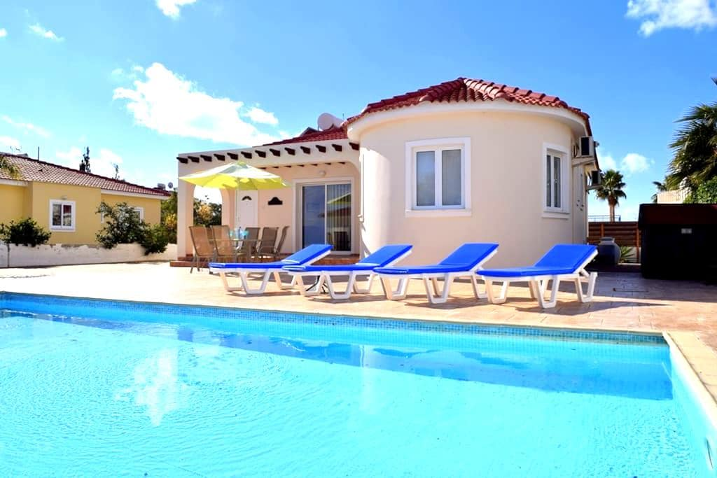 Sunrise Villa, 2 Bedrooms with Pool - Ayia Napa