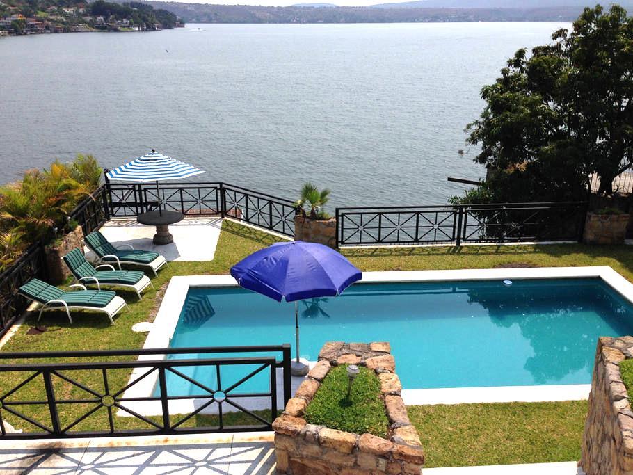 Villa Tequesquitengo. Orilla lago. - Tequesquitengo - Villa