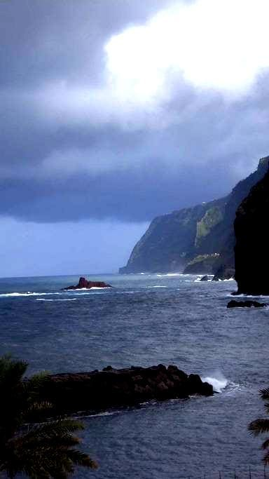 CASA MARE 1 mit spektakulärem Blick! - Ponta Delgada - Hus