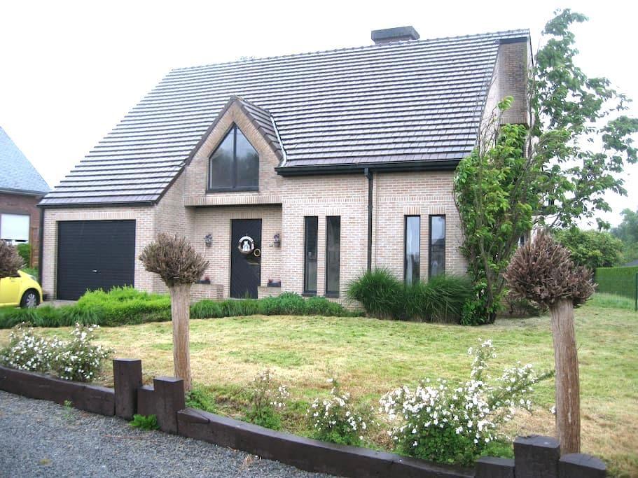 La gallina van de Vlaamse Ardennen - Geraardsbergen - Дом