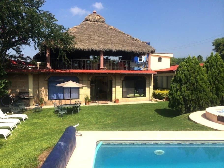 Preciosa Casa de Campo con Alberca  - Xochitepec - Hus