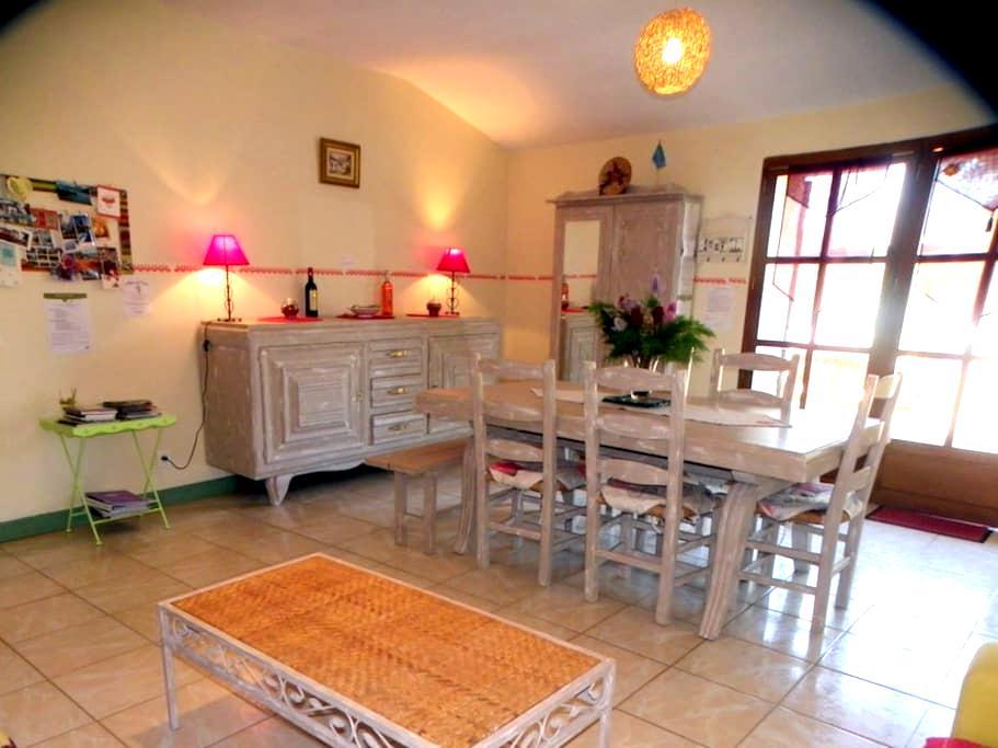 Gîte du Grand-Pas - Doulezon - House