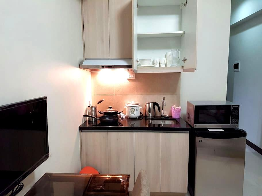 Comfy place and superb amenities - Manila - Wohnung