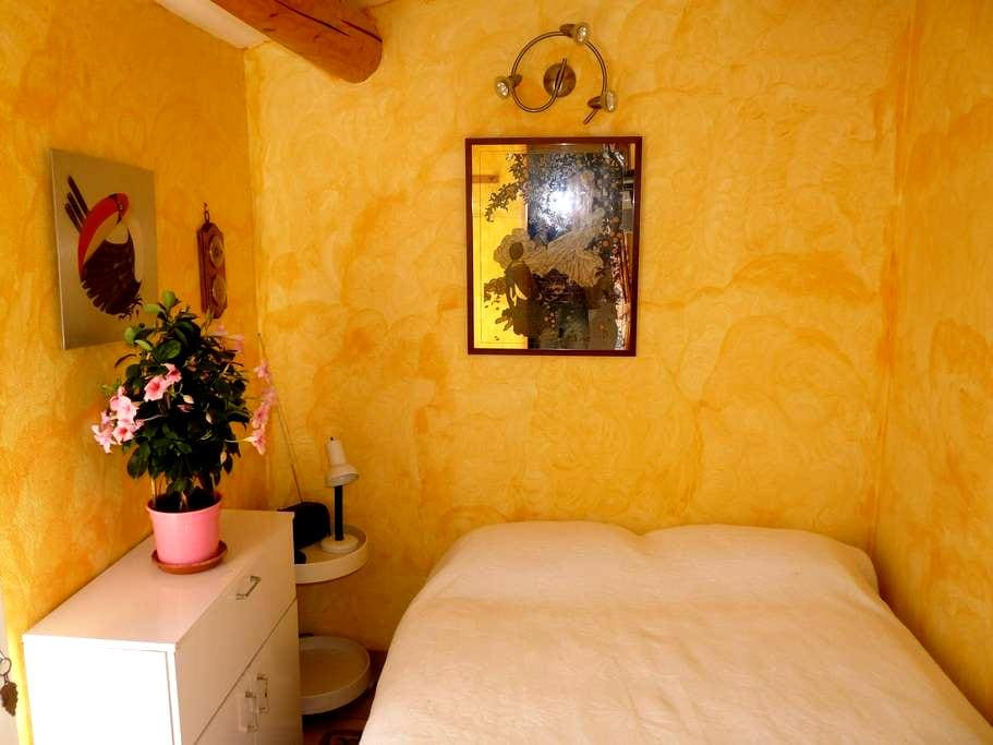 "Cute ""cabanon"" Vaison la Romaine - Vaison-la-Romaine - Bed & Breakfast"