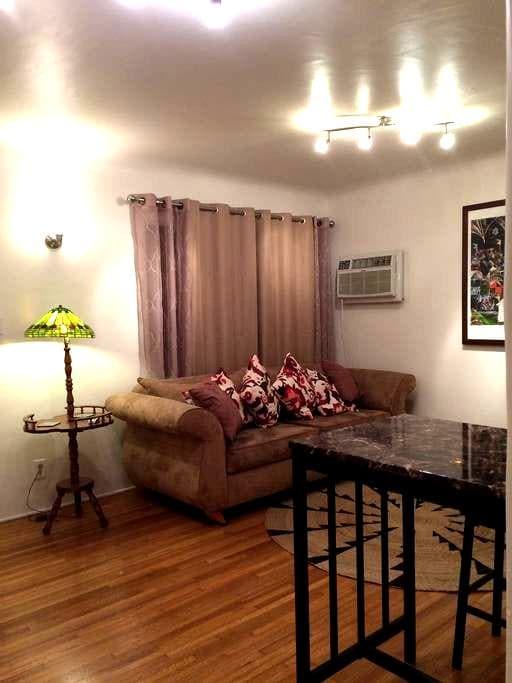 Quaint home in trendy Eagle Rock - Los Angeles - Casa