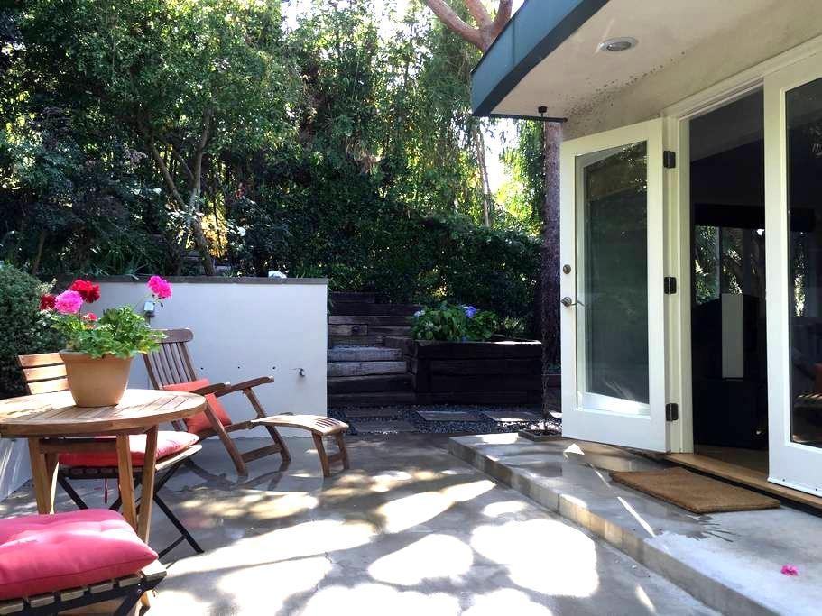 The Ivy: Lush Garden Getaway - Los Angeles - Complexo de Casas