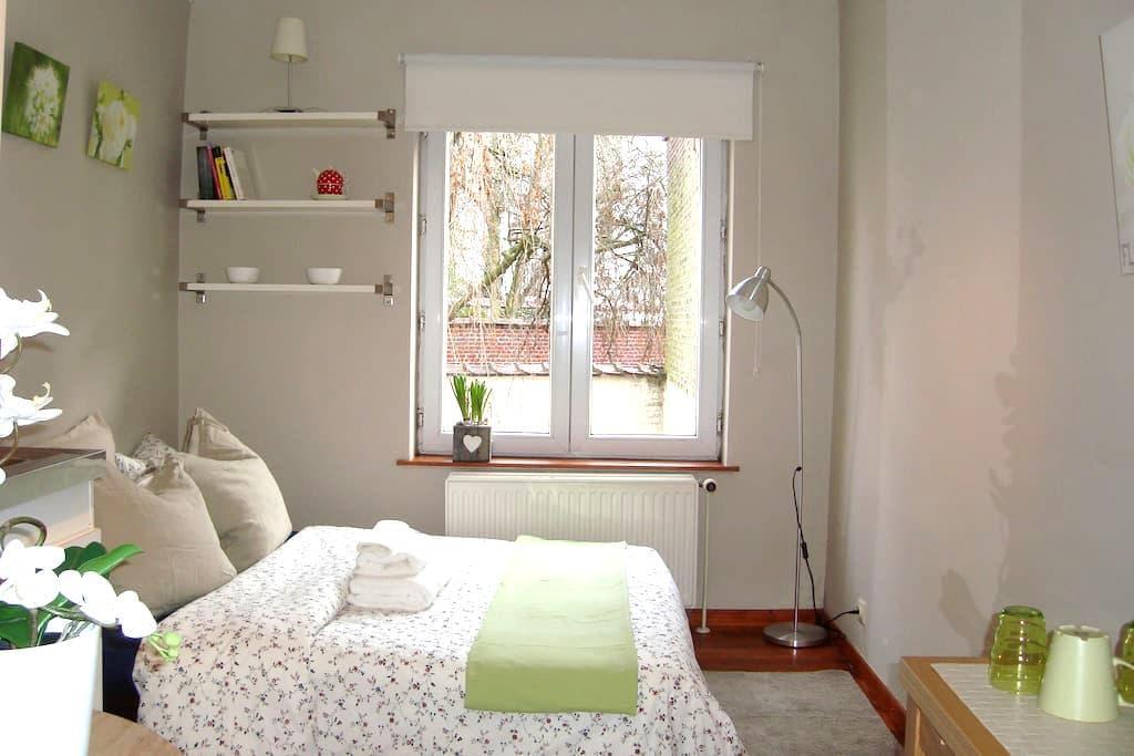 A lovely, sunny studio in EU area - Bruxelles - 아파트