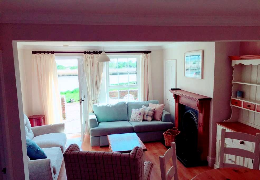 Panoramic river views - Reedham - House