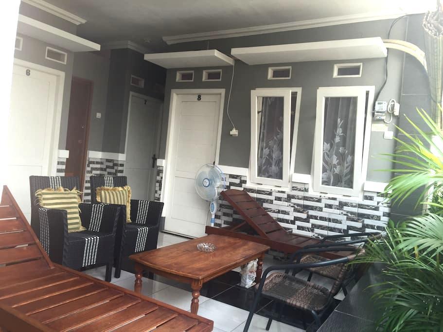 Nina House-Kebon Sirih, Jaksa.Room6 - Jakarta