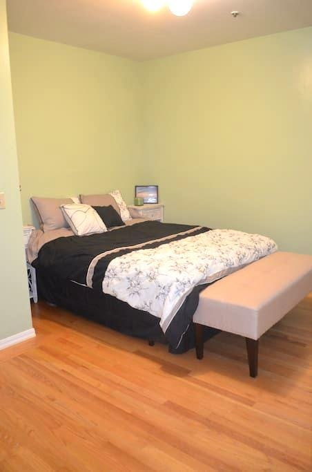 Large Bedroom Minutes from SFO - San Bruno - Lejlighed