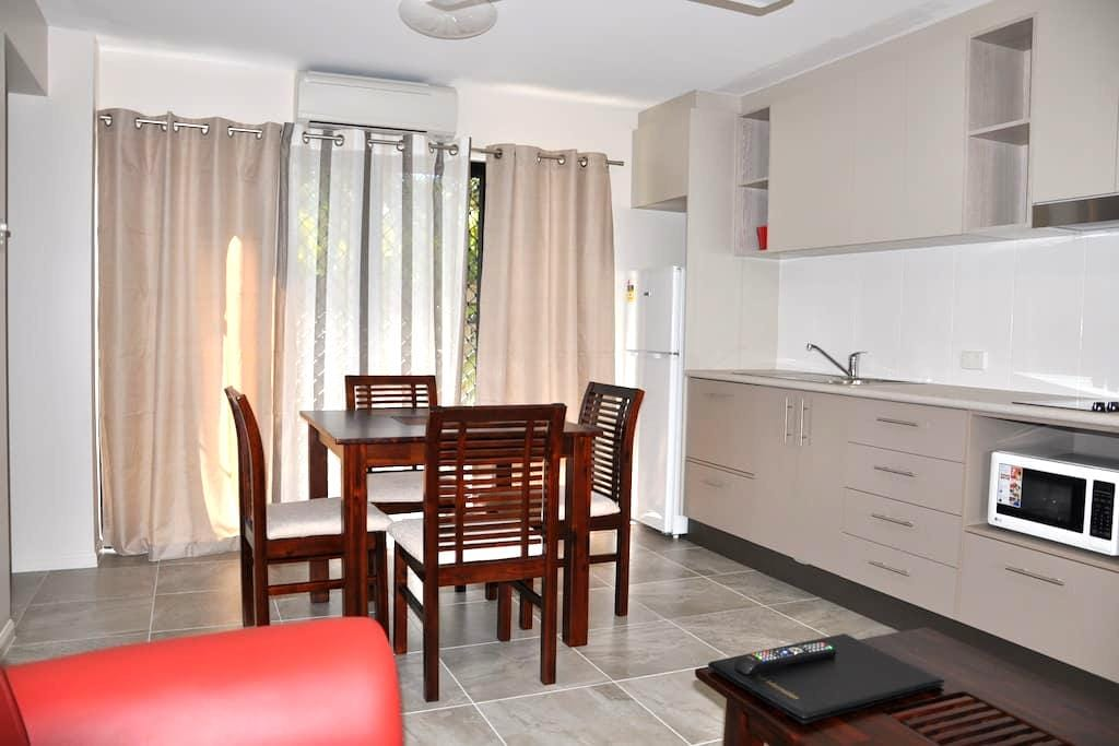 One Bedroom Apartment- Minutes from the Waterfront - North Ward - Pis