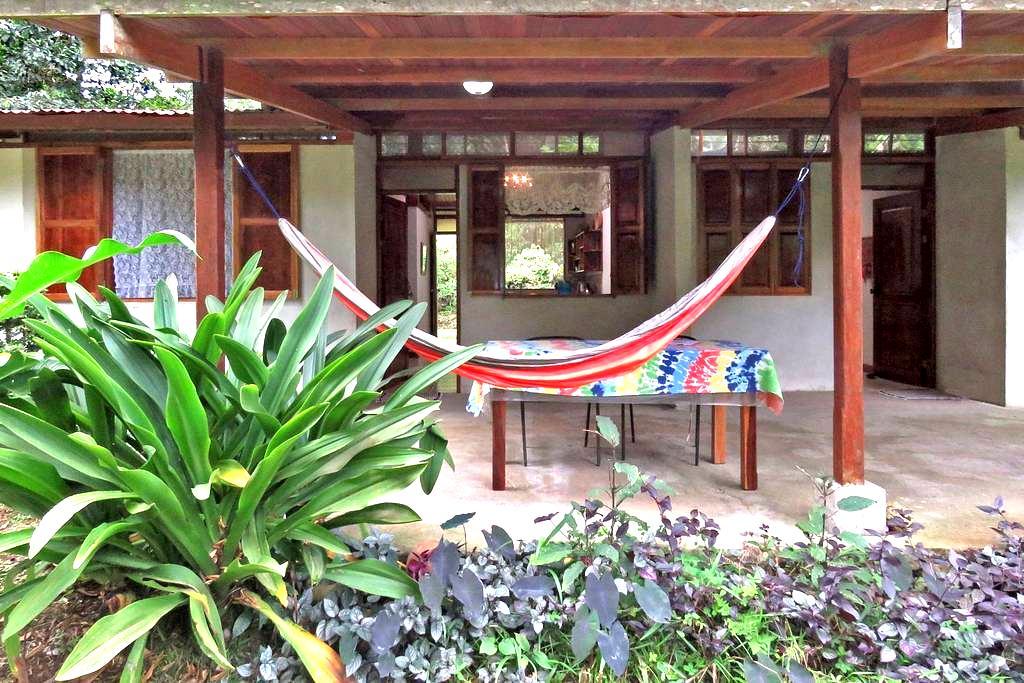 Beautiful Guest House Rana Roja at Finca Isla - Aguas Zarcas