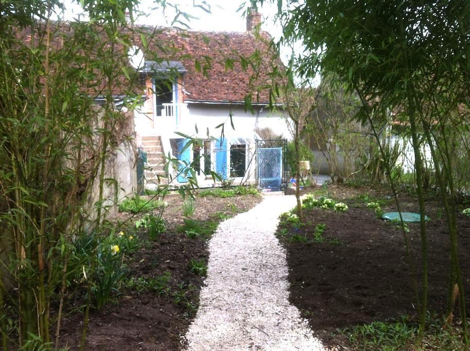 Maison typique à Chaumont sur Loire - Chaumont-sur-Loire - Huis