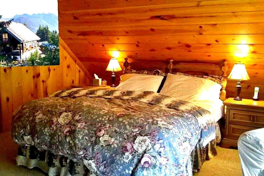 Banksonhaus B&B Birch Suite - Snoqualmie Pass - Bed & Breakfast