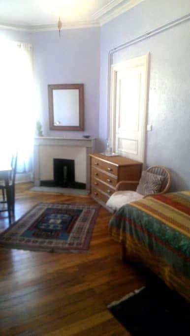 Chambre Stevenson une personne - Le Puy-en-Velay - Bed & Breakfast
