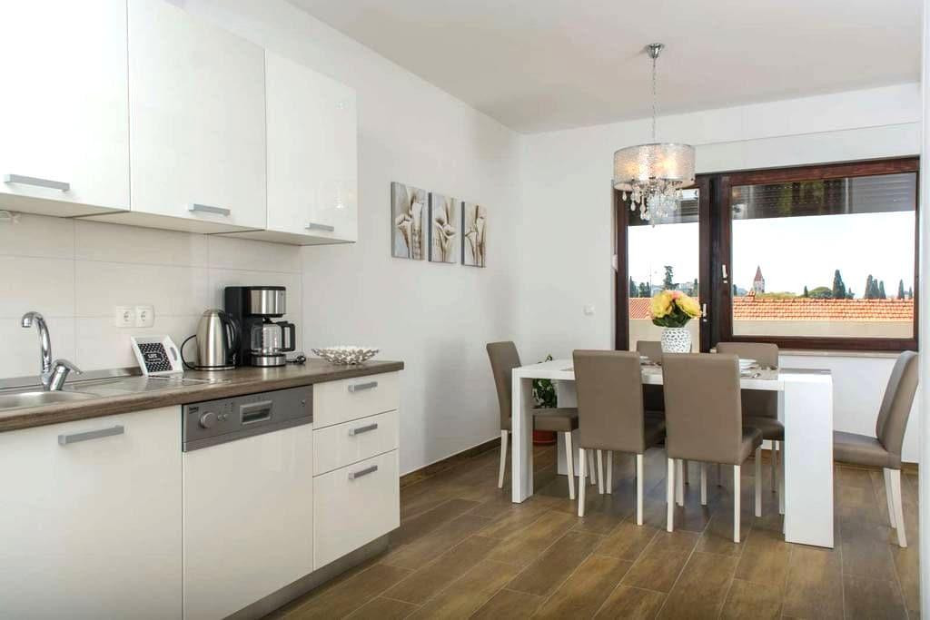 Apartment Ivana (2+2) - Trogir - Wohnung