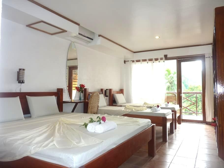 Mansion Buenavista, room 1 - El Nido - Bed & Breakfast
