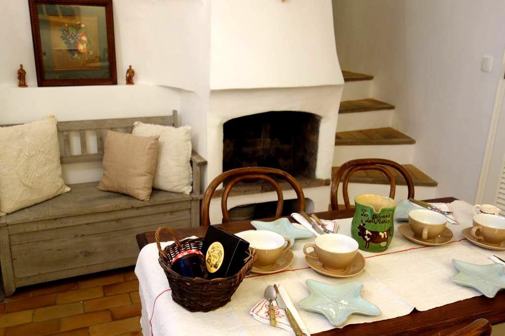 Presqu'île St-TROPEZ romantic house - Gassin - Casa
