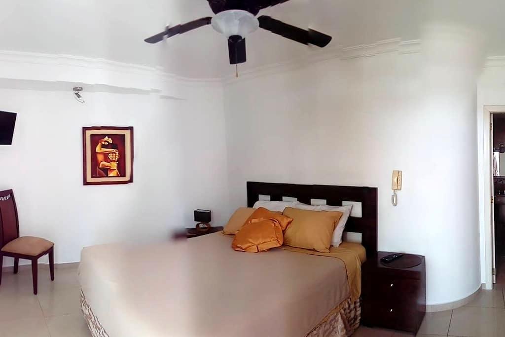 Luxury 3BR/3BATH Apartment-Fully Equiped-Phoenix5B - Salinas - Apartment