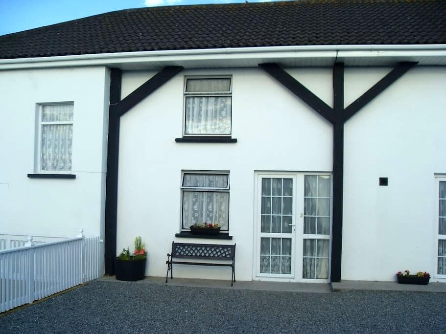 Apt 2 - Riverview Holiday Village - Carlow