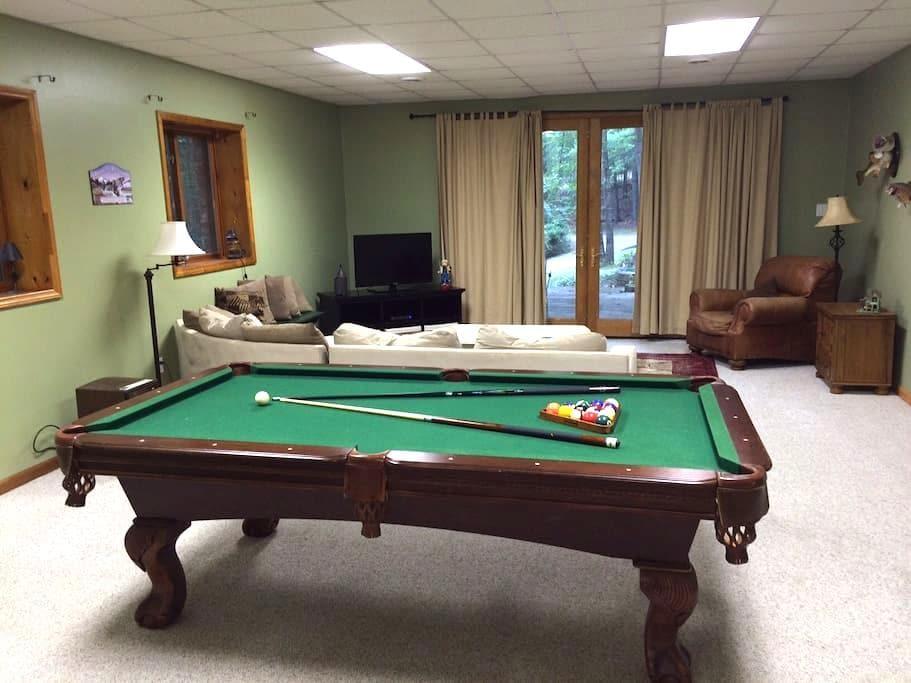 Spacious & Relaxing Open Floorplan - ブラックスバーグ - 一軒家