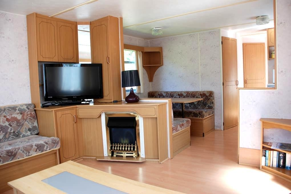Static Caravan for Rent in quiet location. - Montrose