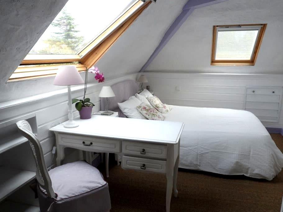 Chambre romantique près Saint Malo - Saint-Jouan-des-Guérets - Hus