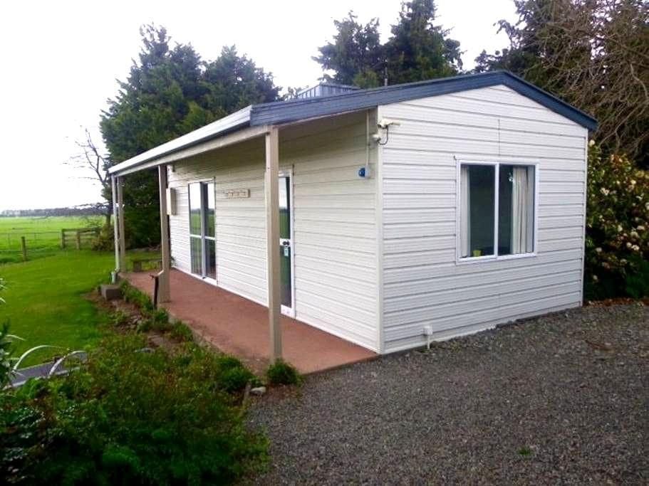 Two bedroom sleep out with a magnificent view! - Methven - Pousada