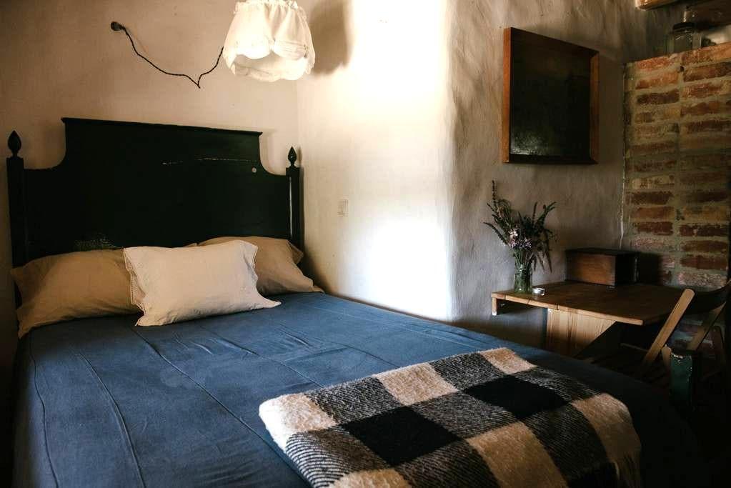 Single room in a Organic Farm house - Sintra - Bed & Breakfast