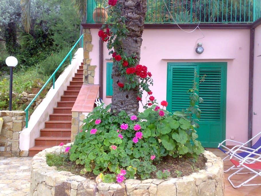 house garden overlooking the sea - Cefalù - Ház