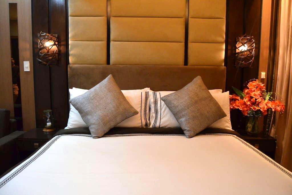Luxury Studio at Park Terraces Ayala Premier. - Makati - Apartamento