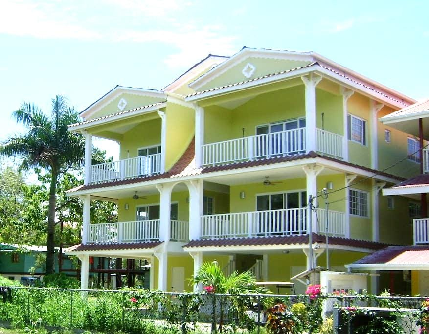 Bocas Luxury Vacation Condo - Bocas Del Toro - Departamento